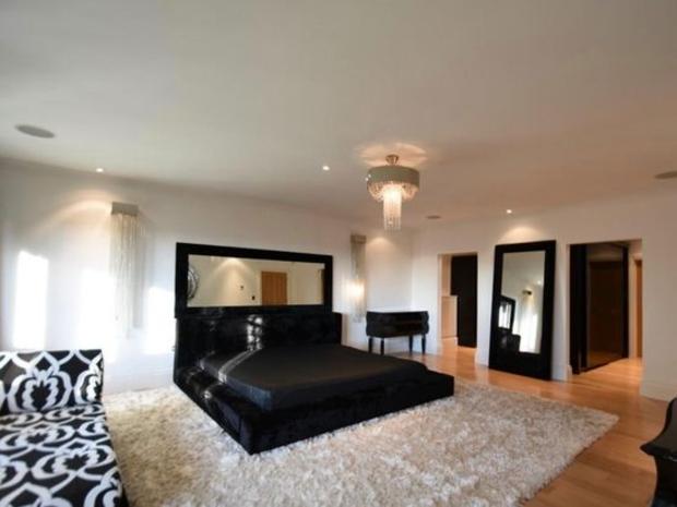 رونالدو عرض المنزل للبيع مقابل 4 مليون دولار تقريبًا
