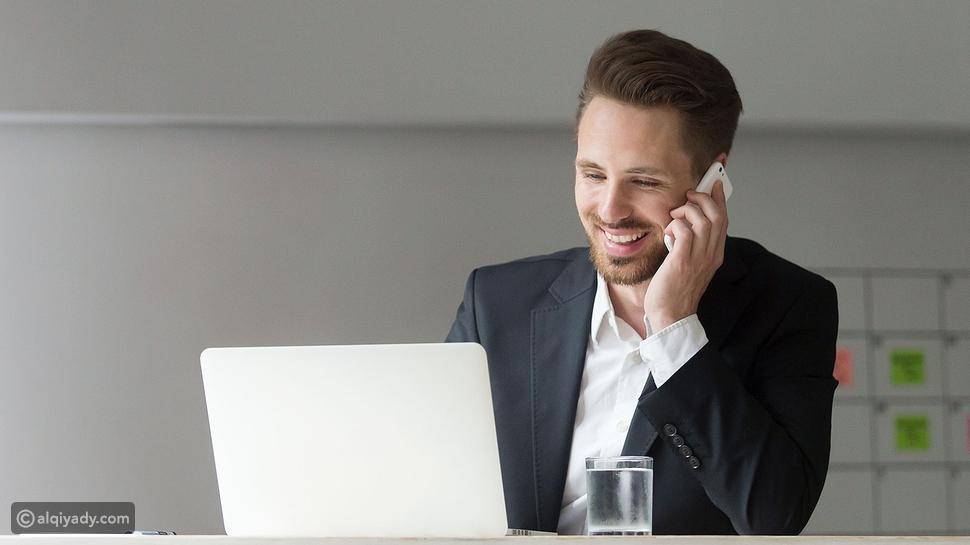 مقابلة عمل عبر الهاتف