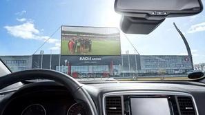 في زمن الكورونا: ناد أوروبي يوفر لجمهوره مشاهدة المباريات من السيارة