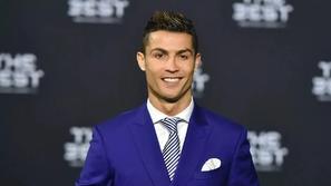 رونالدو أول ملياردير في تاريخ كرة القدم