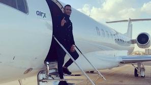 قرار جديد في قضية الطيار الموقوف ومحمد رمضان