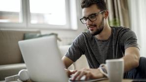 كيف تقوم بتسريع شبكة الواي فاي أثناء عملك من المنزل؟