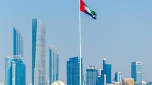 الإمارات تسمح بعودة حاملي الإقامات السارية