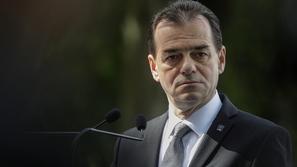 غرامة مالية لرئيس وزراء رومانيا بعد ظهوره بدون كمامة