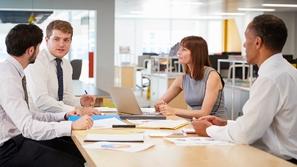 8 طرق ذكية يمكنك الحصول على ثقة رئيسك في العمل