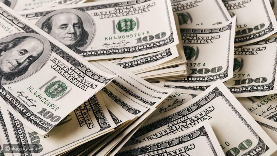 توقف عن الخوف: 5 حيل ذهنية ستجلب لك حظاً وفيراً للمال