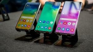 تسريبات تكشف عن أول هاتف من سامسونغ بكاميرا متحركة