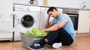 قبل وضع الملابس في الغسالة: كيف تفرز الأقمشة؟