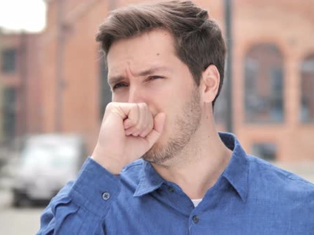 متى يجب استشارة الطبيب عند الإصابة بسعال شديد؟