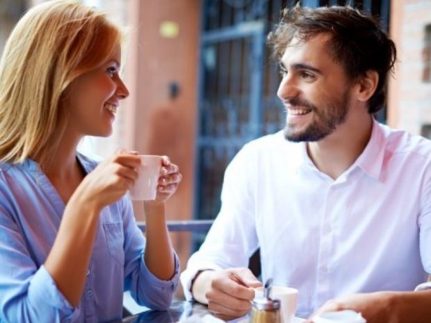6 تلميحات يحتاجها الرجل للحديث مع النساء