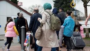 هكذا أثّر تفشي كورونا على حياة لاجئين في ألمانيا وإيطاليا