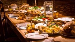 هل تتحير كثيرا قبل تحديد مطعمك؟ خرائط جوجل تقدم الحل
