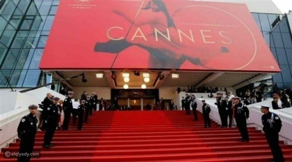 مهرجان كان 2021: نجوم السينما يعودون للسجادة الحمراء بدون قبلات