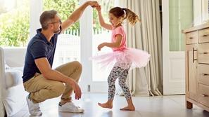 جميلة وقيمة: 5 أمور يجب أن تعلمها لابنتك