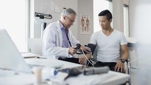 فحوصات طبية يجب على كل رجل إجراءها للتأكد من سلامته