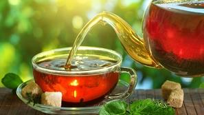 كوب الشاي قد يصيبك بمرض قاتل في هذه الحالة