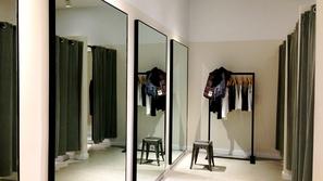 في زمن كورونا: هل غرف القياس في متاجر الملابس آمنة؟
