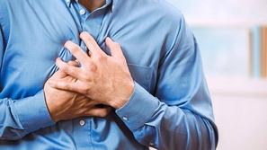 قبل حدوثها بشهر: أعراض تشير إلى إصابتك بنوبة قلبية