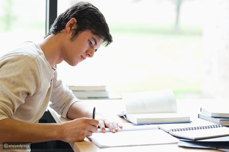 مهارات الكتابة: أهميتها وكيفية تحسينها