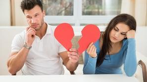 امرأة تعرض زوجها للبيع عبر الإنترنت.. ما السبب؟