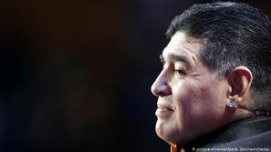 فيروس كورونا: مارادونا يوجه رسالة مؤثرة للإيطاليين