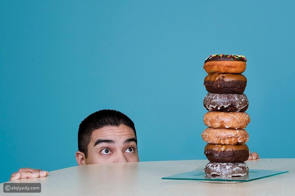6 عادات غير صحية نتيجة كورونا: هل لديك واحدة منها؟