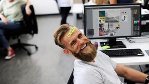فيديو: لتحقيق السعادة في العمل.. إليك 10 نصائح لا تهملها