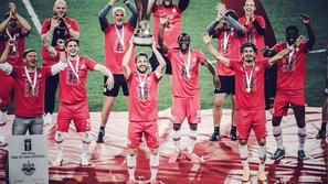 هكذا احتفل فريق أوروبي ببطولة في عصر التباعد الاجتماعي