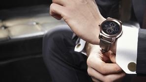 ما سبب ارتداء الساعة في اليد اليسرى وليس اليمنى؟