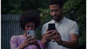 فيديو: سامسونغ تسخر من هاتف آيفون 11