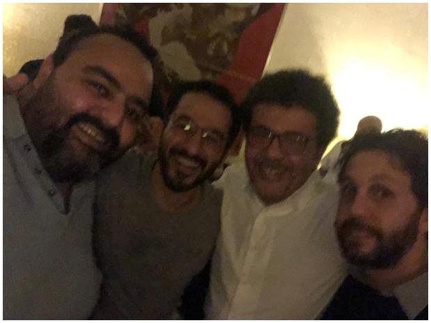 صورة تجمع شيكو مع أحمد حلمي وهشام ماجد والمخرج عمرو عرفة