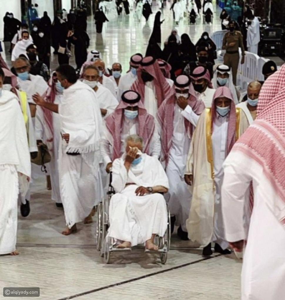 خالد الفيصل: أمير مكة يؤدي مناسك عمرة رمضان