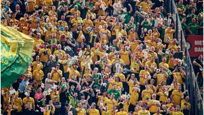 رغم الهزيمة.. جماهير نادي هولندي تكتسب احترام الجميع بسبب هذا الفيديو