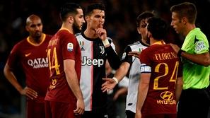 فيديو: رونالدو يهين قائد روما بتصرف مستفز