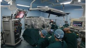 فيديو: طبيب سوري ينجح بجراحة هي الأولى من نوعها.. هذه تفاصيلها