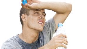 فيديو: نصائح مهمة تحميك من العطش خلال ساعات الصيام