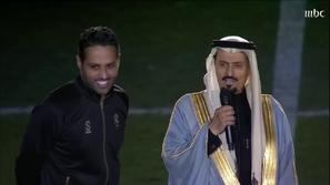 فيديو: كلمات مؤثرة من والد ياسر القحطاني لنجله في يوم اعتزاله