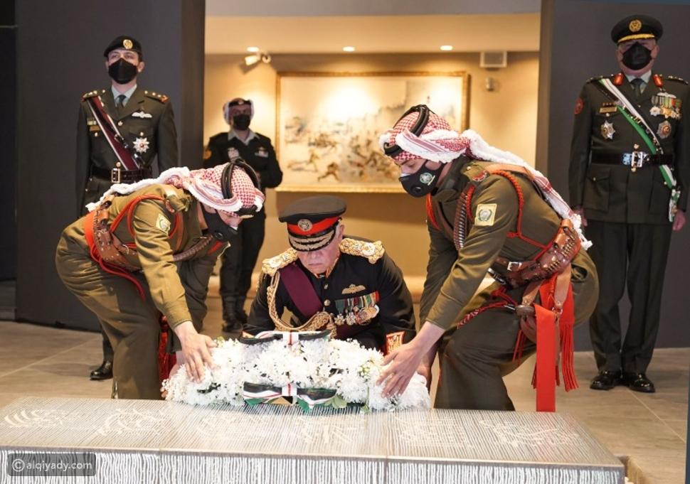 العاهل الأردني يزور الأضرحة الملكية في ذكرى مئوية الدولة الأردنية