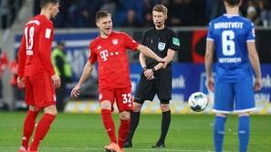 واقعة غير عادية في الدوري الألماني تثير ضجة على السوشيال ميديا
