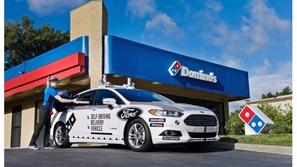 فيديو: سيارات ذاتية القيادة لتوصيل البيتزا في الولايات المتحدة