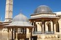 الجامع الأموي بحلب ومئذنته الشهيرة، والذي يعد من أقدم المساجد في العالم.