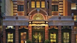 بالصور: أكثر واجهات الفنادق جمالاً وأناقةً في العالم
