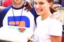 الممثلة ناتلي بورتمان والمغنّي موبي