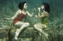 أول إعلان عن أحمر شفاة مقاوم للمياة في عام 1941،