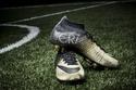 Nike تهدي كريستيانو رونالدو حذاء من الذهب النادر!