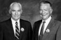 """سام وباد وولتون، وهما الوريثان الشرعيان لكافة أرباح سلسلة متاجر """"وول-مارت""""، وتقدر ثروتهما بـ 160 مليار دولار."""