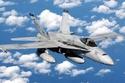 "F/A-18 Hornet: تحتوي تلك الطائرة على أفضل قدرات ""أيروديناميكية""  وقدرة عالية على الهجوم من زوايا مختلفة، كما أنها تتميز بتعدد المهام حيث يمكن أن تدمّر الأهداف الجوية والبرية، بالإضافة إلى الدعم الجوي ليلاً ونهاراً"
