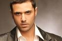 كان نجم التمثيل الوسيم أحمد عز يعمل بقطاع الفنادق
