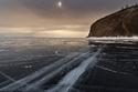 شاهد الفيديو والصور المذهلة للحظة انشقاق جليد أكبر بحيرة في العالم