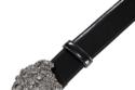 """حزام من ماركة """"Versace""""، يبغ سعره 1,095 دولار أمريكي."""